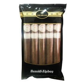 Montecristo White Churchill - 5 Ct Cigar pack in a portable humidor